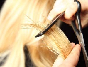 Можно ли стричь волосы беременным