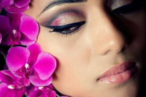 Секреты красоты: правила снятия макияжа