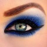 Правила макияжа для тех, кто носит очки и контактные линзы