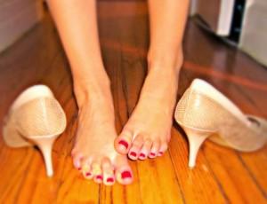 Ради красивой обуви женщины жертвуют мизинцами