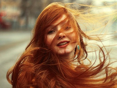 Сохраним цвет окрашенных волос свежим