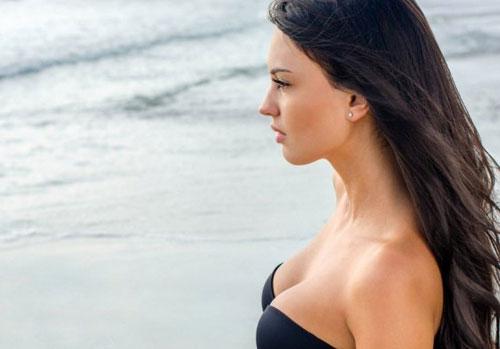 Сохранить упругость груди можно