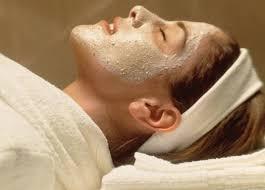Очищающая маска из овсянки для лица: скрабируем кожу дома