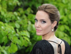 Анджелина Джоли стала лицом Guerlain