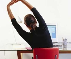 Как заниматься фитнесом, не отходя от рабочего места