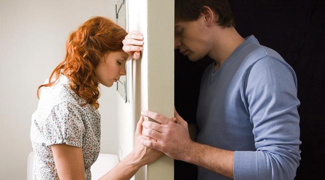 Вот новый поворот: какие бывают кризисы в семейных отношениях