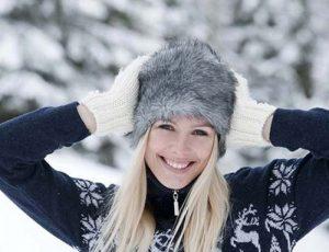 Время задумываться о стильных зимних головных уборах