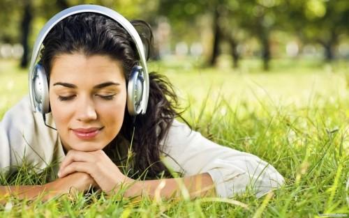 Музыка как терапия от стресса: что слушать для здоровья
