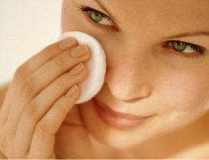 С чистого лица: как правильно очищать кожу летом