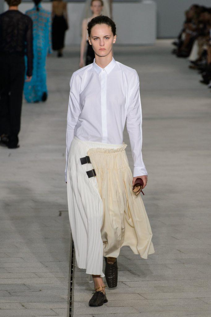 11 белоснежных рубашек в новой коллекции Jil Sander