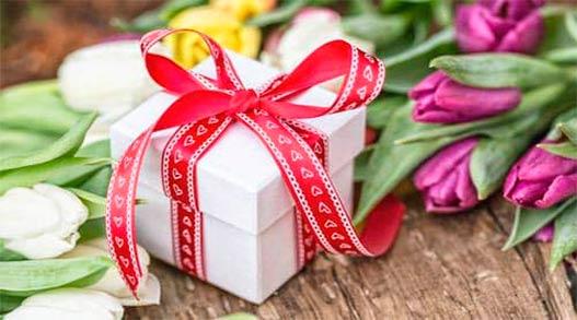 Оригинальные подарки женщинам-коллегам на 8 Марта