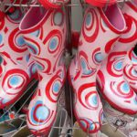 Как носить резиновые сапоги? Правила безопасности