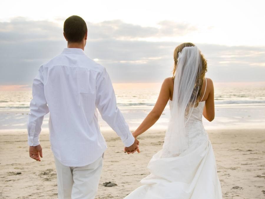 Зачем мы выходим замуж?