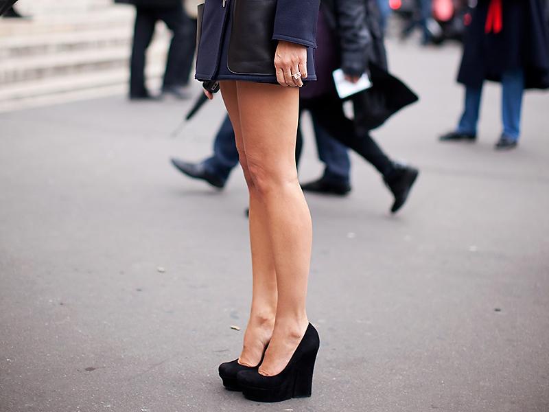 Черная обувь на платформе для работы и на каждый день