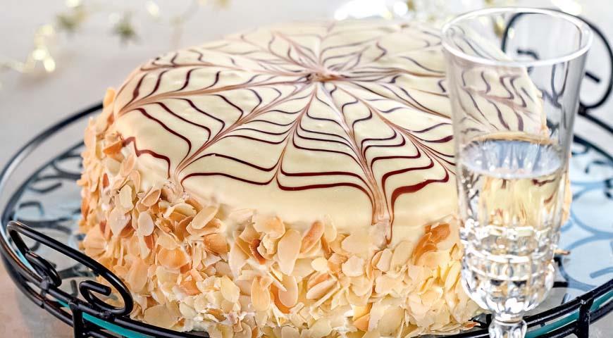 Торт с миндалём