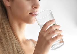 8 серьезных причин, по которым хочется пить