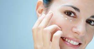 Как вылечить в домашних условиях обветренную кожу лица?