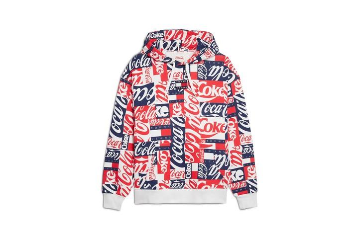 Tommy Jeans и Coca-Cola выпустили винтажную коллекцию
