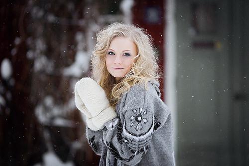 Как поддержать красоту волос в зимнее время