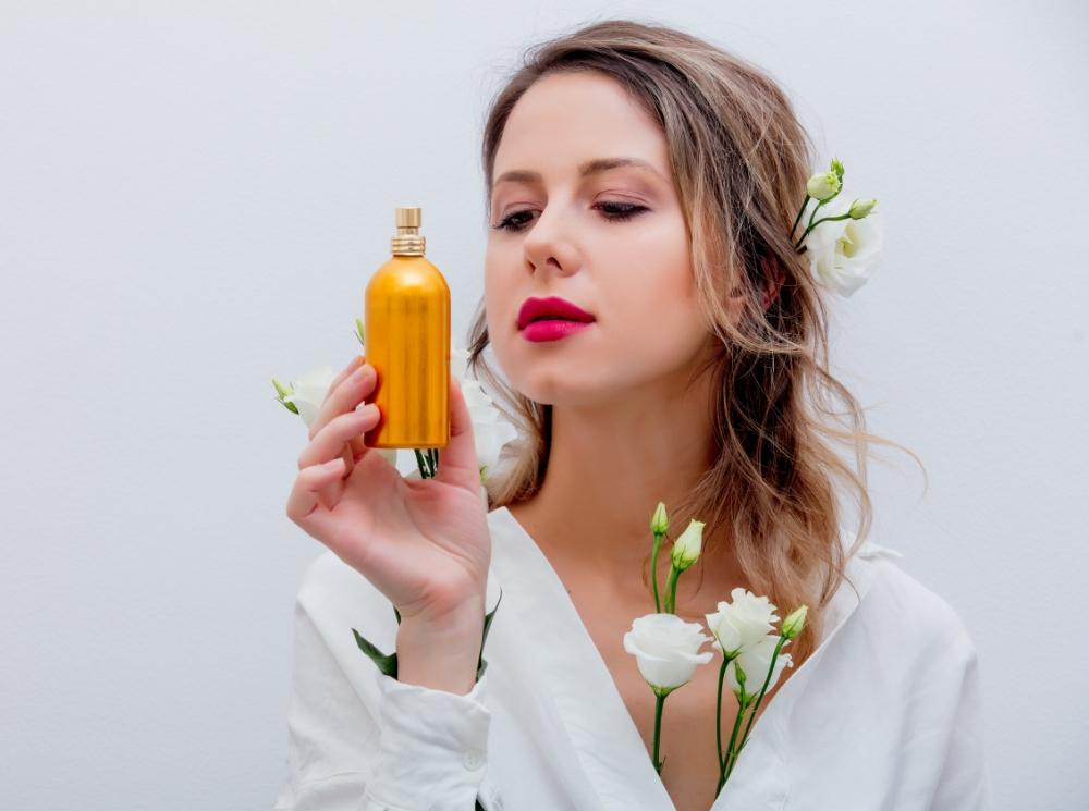 Запах женщины: какой аромат подарить