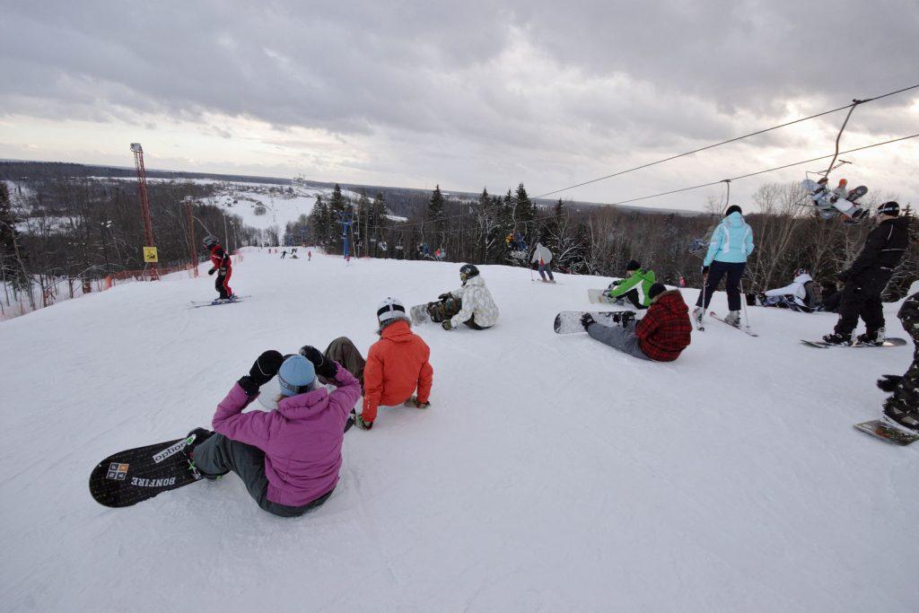 Где можно покататься на сноуборде в Москве?