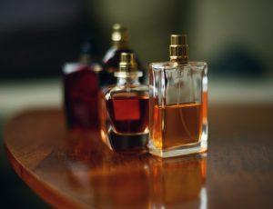 6 способов заставить парфюм «работать» весь день