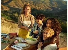 Дженнифер Лопес вместе с семьей снялась в осенней рекламной кампании Coach
