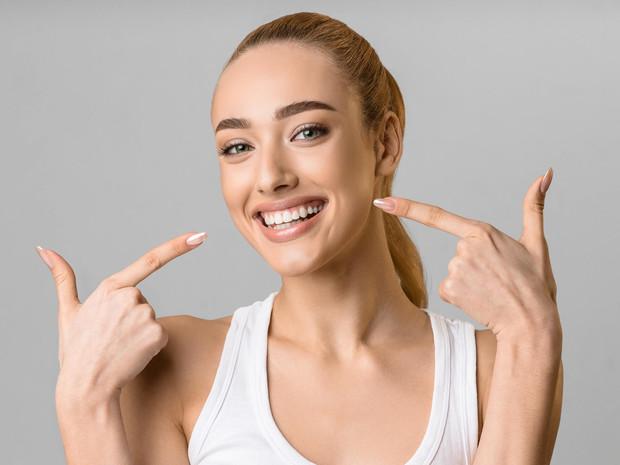 Как новенькие: что такое бондинг зубов, и кому он подходит