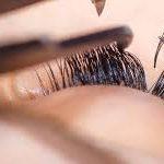 Наращивание ресниц: честно о плюсах и минусах