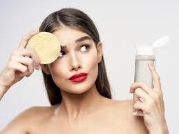 Как сделать макияж, если кожа шелушится: секреты визажистов