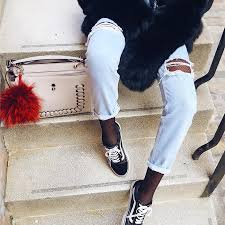 Почему (ни в коем случае) нельзя носить колготки под джинсами