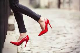 Советы остеопата: как носить каблуки без вреда для здоровья
