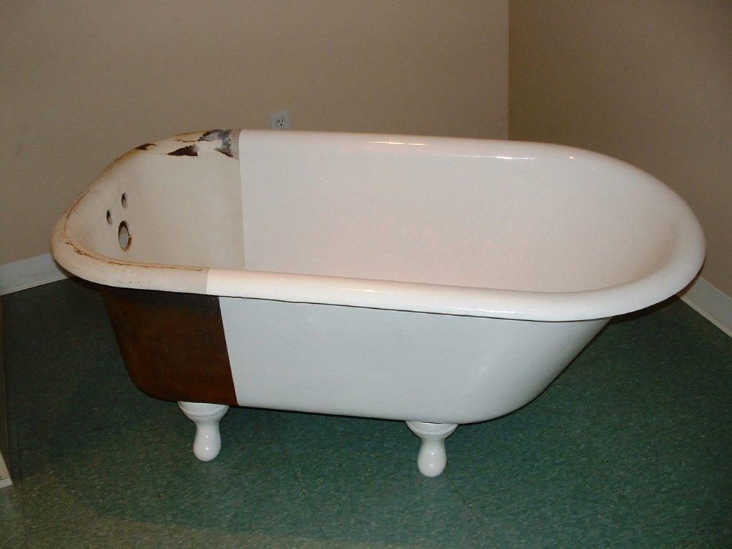 Почему реставрация ванны более выгодна, чем ее замена?