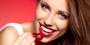 5 натуральных продуктов для белоснежной улыбки