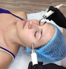 Как микротоки помогут подтянуть овал лица?