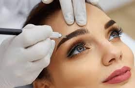 «Сколько на самом деле держится перманентный макияж?»