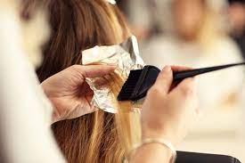 Как правильно красить волосы, чтобы не сжечь их
