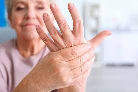 Синдром холодных рук: почему он возникает и как с ним бороться